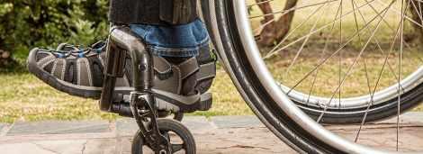 Poważny wypadek samochodowy? Dowiedz się, jak uzyskać rekompensatę za paraliż