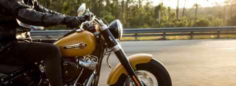 Ginie motocyklista